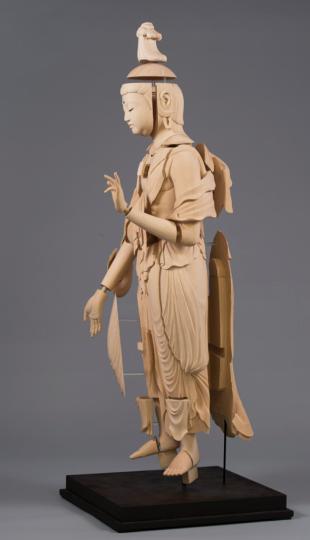 carving of Miroku Bosatsu sculpture_ Dr Kojima Hisanori_(c) City & Guilds of London Art School